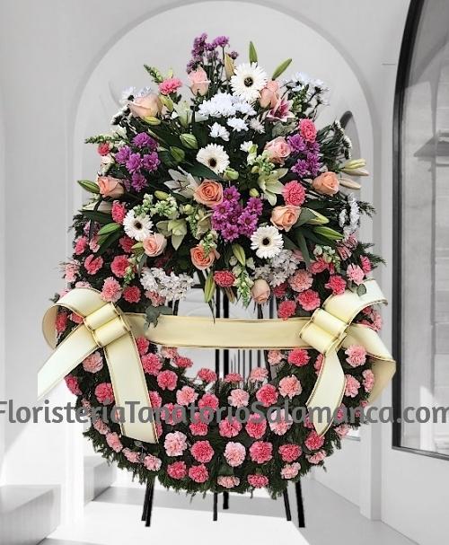 Corona para funeral clavel rosa especial para tanatorios de Salamanca