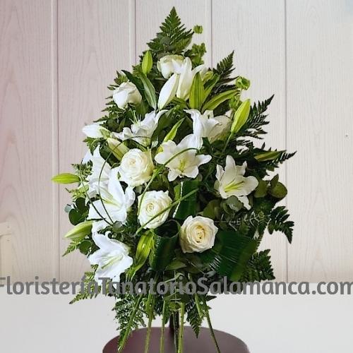 Ramo para funeral Rosas y Liliums con envío urgente para tanatorios de Salamanca